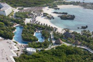 Grand Sirenis resort